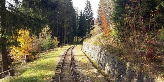 Vstupy do skanzenu Vychylovka s výjimečnou atmosférou a unikátním historickým úvraťovým vláčkem/Slovensko - Čadca