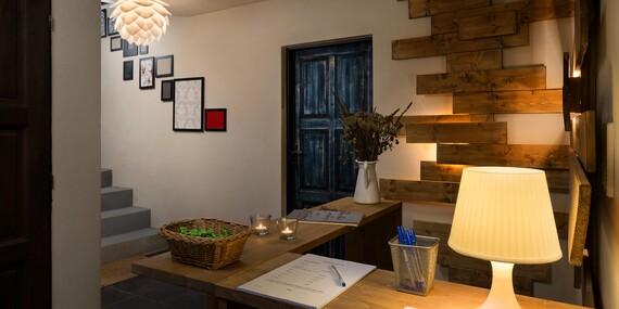 Všední dny ve stylovém ubytování s krásnou zahradou, privátní saunou, masážním křeslem a degustačním menu na Šumavě v penzionu Adamův Dvůr/Jižní Čechy - Zdíkov