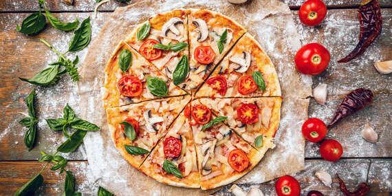 Talianska pizza podľa vlastného výberu v pizzerii Metropol/Bratislava - Staré Mesto