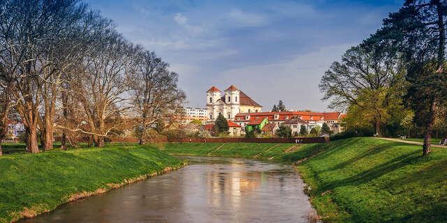 53% Jižní Morava: 3-5 denní wellness pobyt pro DVA v…