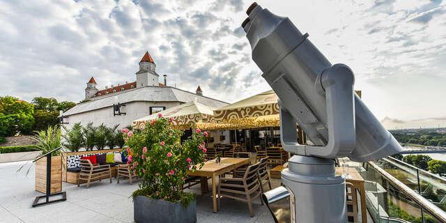 Darujte gastronomický zážitok - poukážku do Restaurant Parlament s nádherným výhľadom na Bratislavu.