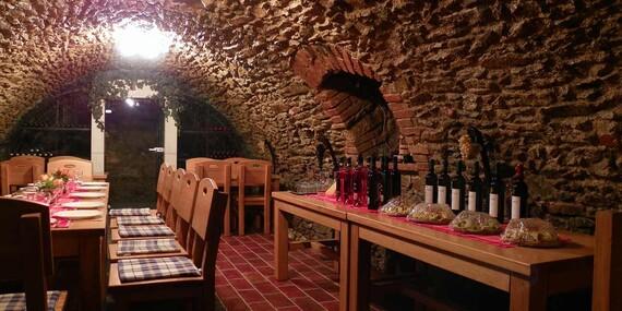 Čarovný Penzión pod kláštorom s raňajkami/Pezinok