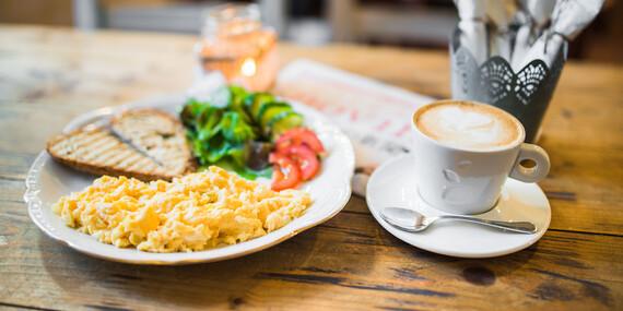 Naštartujte deň praženicou alebo toastom a voňavým čajom či kávou v Raňajkárni Rozprávka / Košice - Staré Mesto