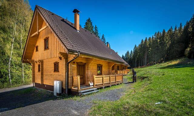 Relax až pre 10 ľudí v tichom horskom prostredí Liptova s ubytovaním a wellness v zruboch HOREC