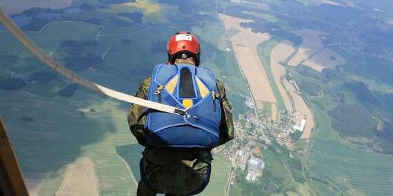 Základní parašutistický výcvik zakončený samostatným seskokem z letadla na letišti dle výběru s platností do prosince 2021/Tábor, Soběslav, Jindřichův Hradec, Hosín, Milovice, Hořovice