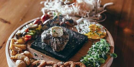 Lahodný hovädzí steak na lávovom kameni v reštaurácii Svišť v Novom Smokovci/Vysoké Tatry