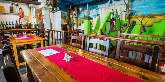 Pečené bravčové rebierka v pikantnej marináde alebo mexická polievka v známom Hacienda & El Diablo v centre Bratislavy/Bratislava - Staré Mesto