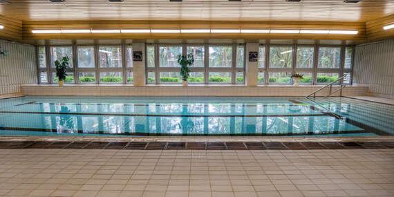 Babí léto na břehu Máchova jezera v Hotelu Bezděz*** s polopenzí a bazénem bez omezení/Staré Splavy - Máchovo jezero