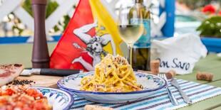Carbonara s Guanciale (pravé sušené líčka) - domáce spaghetti Bigoli, vajíčko, guanciale, syr sicili