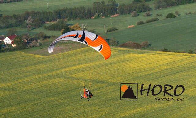 Adrenalín pri tandemovom motorovom paraglidingu okolo Liptovskej Mary + videozáznam.