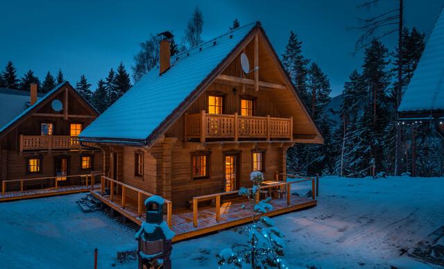 Lyžovačka až pre 10 ľudí v tichom horskom prostredí Liptova s ubytovaním a wellness v zruboch HOREC