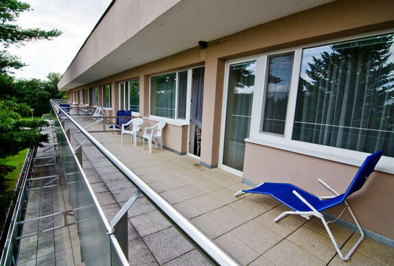 Relax s polpenziou, bazénom a kúpeľnými procedúrami v hoteli Flóra**.