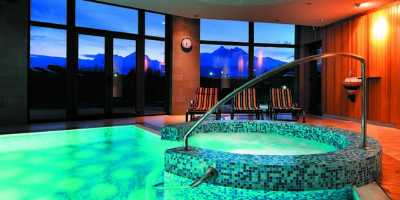 Jedinečný wellness pobyt pod Lomnickým štítom v hoteli International**** s úžasným výhľadom z vírivky/Vysoké Tatry - Veľká Lomnica