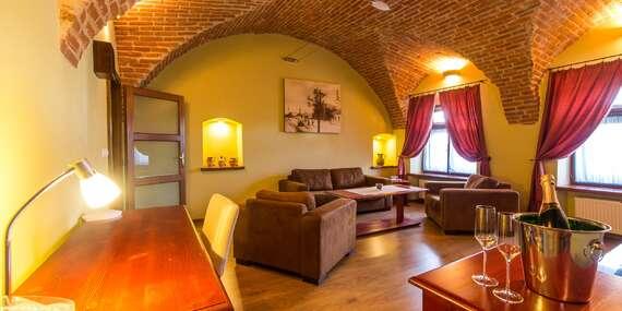 Penzión pod kláštorom: Pobyty v Pezinku s degustáciou vína alebo vstupom do zámku a múzea/Pezinok