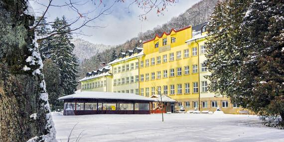 Zimné pobyty s polpenziou v Rajeckých Tepliciach v známom hoteli Skalka*** / Rajecké Teplice