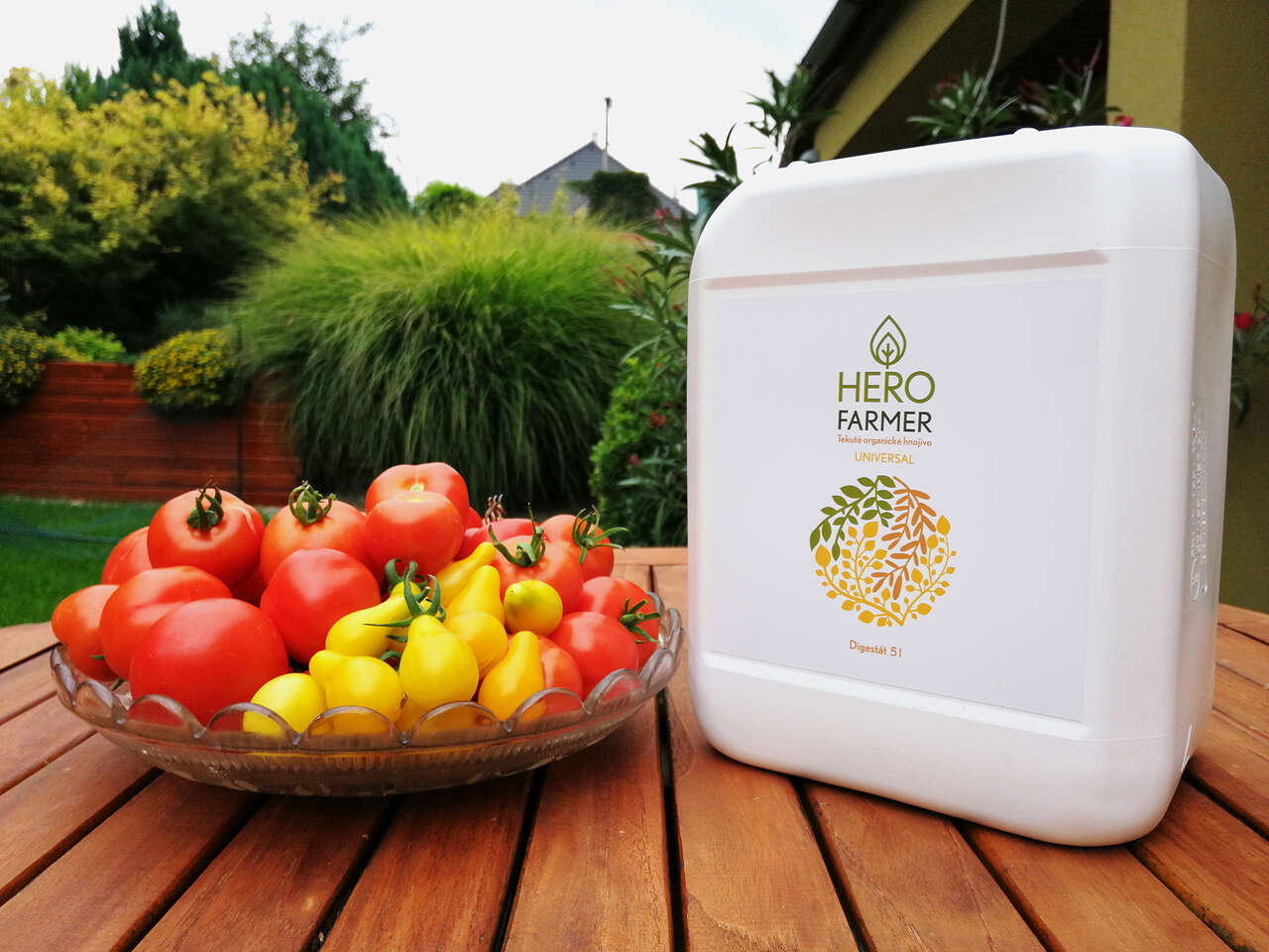 HERO FARMER, 5 l tekuté organické hnojivo čisto rastlinného pôvodu na trávnik, ovocie, zeleninu i kvety