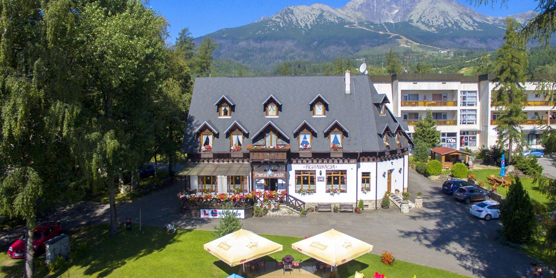Dovolenka v centre Tatranskej Lomnice s wellness, stravou a výbornou polohou v penzióne Encián