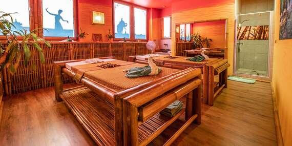 Párová masáž panenským kokosovým olejom v jednom z najobľúbenejších salónov v centre mesta/Bratislava – Staré Mesto