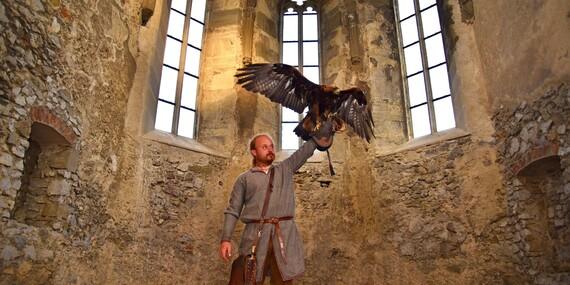 Vstup na legendami opradený hrad Beckov, kde zažijete stredovek na vlastnej koži/Beckov