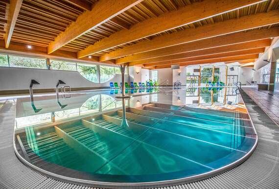 Neobmedzené kúpanie, wellness, procedúry a polpenzia v hoteli Hviezda*** v Dudinciach s nádherným výhľadom