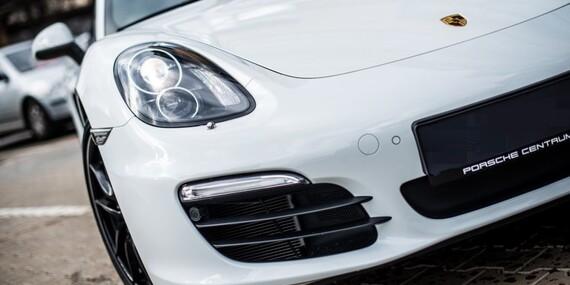 Zážitková jízda včetně paliva v Porsche, Lamborghini nebo Ferrari Italia jako spolujezdec nebo řidič/Praha, Kroměříž, Bratislava, Banská Bystřica