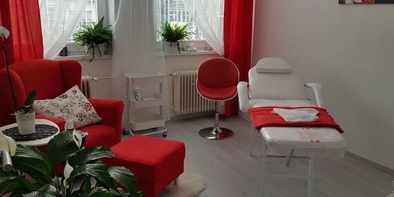 Parafínový zábal rúk alebo špeciálna IBX kúra pre krásne nechty v salóne Barberia/Bratislava - Rača