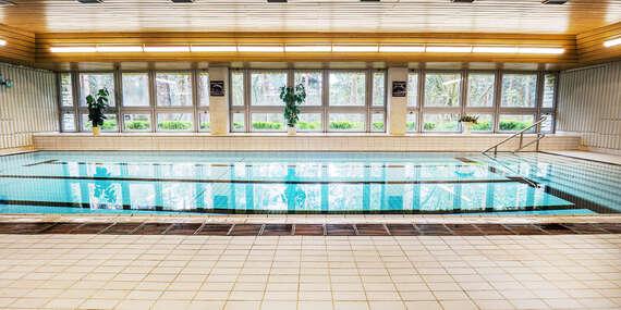 Od jara až do podzimu na břehu Máchova jezera v Hotelu Bezděz*** s polopenzí a bazénem bez omezení/Staré Splavy - Máchovo jezero