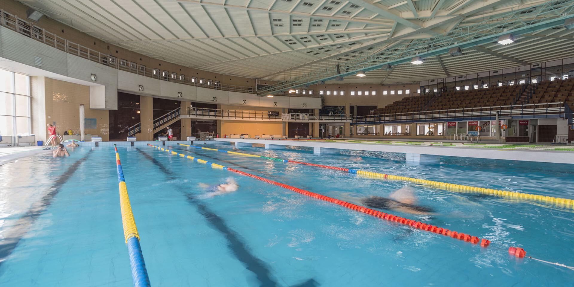 Jednorázový vstup alebo permanentka do Mestskej krytej plavárne Košice pre dospelého alebo dieťa