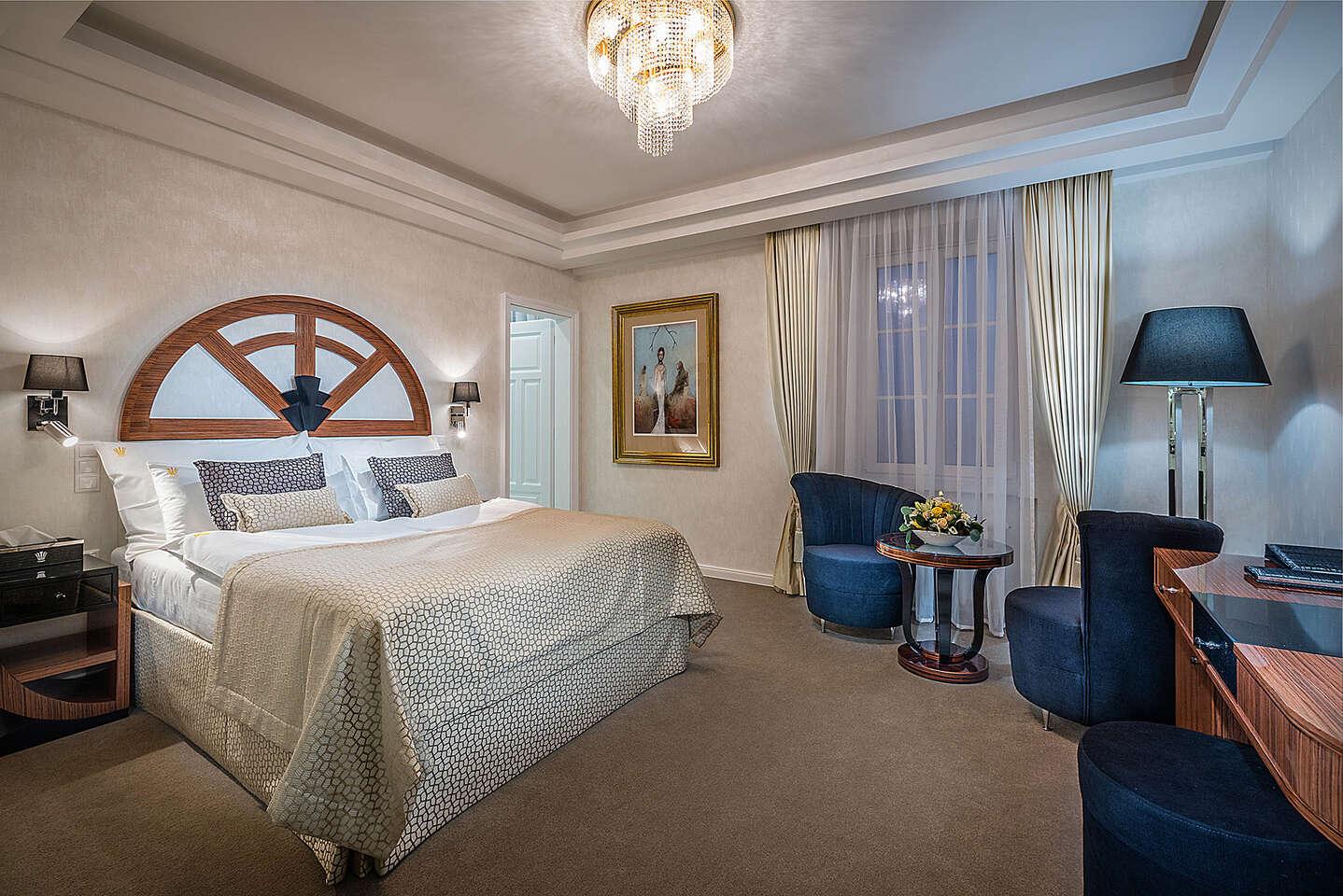 Luxusný oddych s neobmedzeným kúpaním v aquapaku, procedúrami a Zlatým kúpeľom v hoteli Royal Palace*****