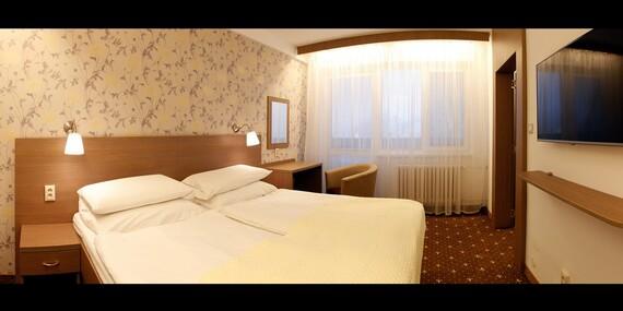 Víkend v kúpeľnom hoteli Máj*** v Piešťanoch s polpenziou, masážou a zábalom/Piešťany