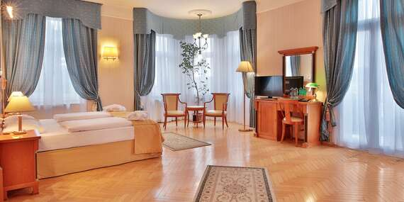 Ozdravný pobyt v hotelu Belvedere Spa & Wellness**** s neomezeným vstupem do bazénu, snídaní, wellness procedurami a platností do února 2021 / Mariánské Lázně