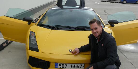 Šlápněte na to! Jízda v supersportu Ferrari 458 Italia nebo Lamborghini Gallardo. Varianty s palivem i bez/Praha, Brno, Olomouc, Ostrava