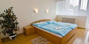 Ubytovanie v izbe s balkónom v hoteli Flora** Dudince