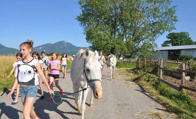 Letný detský tábor s jazdou na koňoch a zábavou v aquaparku
