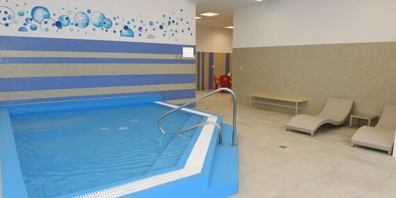 Oddych v morskej vode termálneho kúpaliska Novolandia - termálny výplavovýbazén a wellness/Okres Lučenec - Rapovce