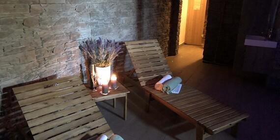 Relax v malebnom prostredí oravskej prírody v penzióne Kamenec s polpenziou a vstupom do aquaparku/Zakamenné
