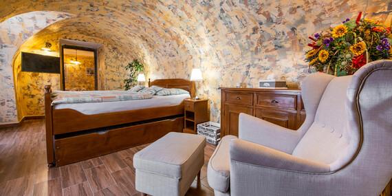 Objavujte odkryté aj tajné miesta Banskej Štiavnice s ubytovaním priamo v srdci mesta v Penzióne na Trojici / Banská Štiavnica