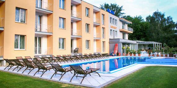 Výdatný relax priamo pri Sĺňave v apartmánoch s polpenziou a dvoma deťmi zdarma/Piešťany