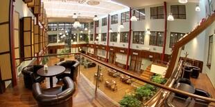 Moderný päťhviezdičkový Hotel Baltaci Atrium ponúka hotelové služby najvyššej úrovne