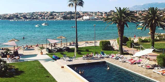 Chorvátsko s polpenziou a dieťaťom do 7 rokov zdarma v hoteli Liberty len 1 min. od pláže