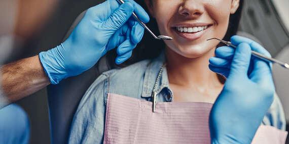 Dentálna hygiena s pieskovaním alebo implantologická konzultácia + CT vyšetrenie/Bratislava - Rača