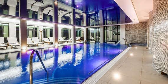 Zima v luxusním Zámku Lužec Spa & Wellness Resort**** s polopenzí, wellness a procedurami/Nová Role - Karlovy Vary