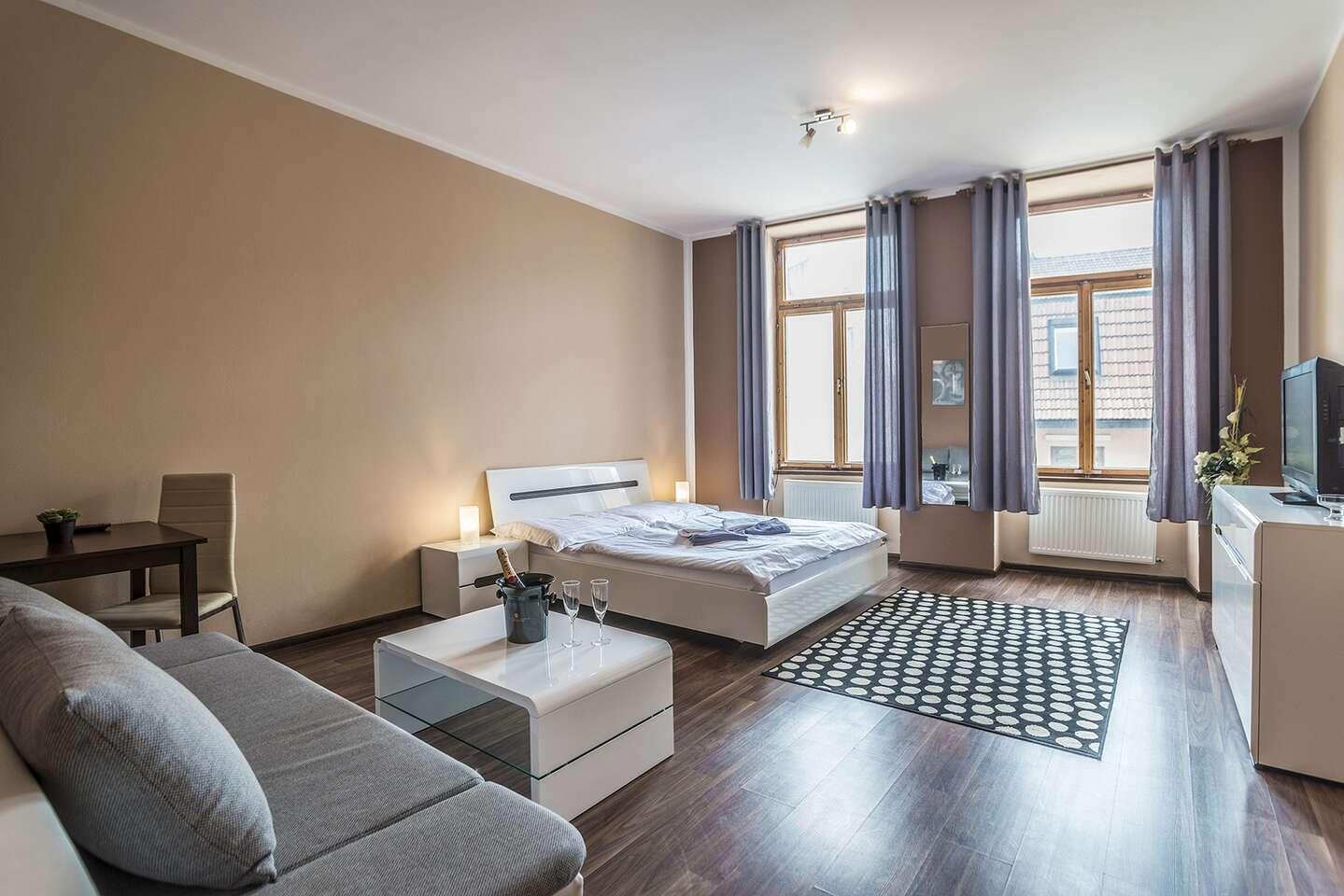 Komfortné izby alebo apartmány penziónu TIME*** priamo v centre Prešova (aj na leto)