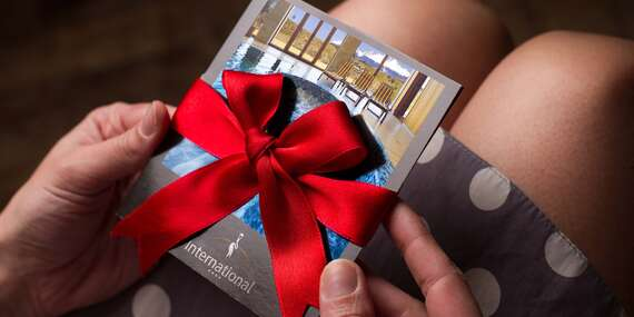 Darujte zážitok s výhľadom na štíty Tatier v hoteli International**** – darčekové poukážky s bonusmi navyše/Vysoké Tatry – Veľká Lomnica