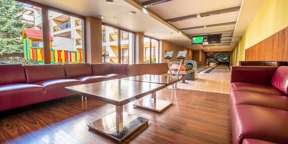 Lyžujte za bezkonkurenčné ceny aj cez víkend s ubytovaním vo Wellness Hoteli Diplomat****/Rajecké Teplice