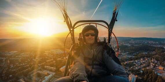 Tip na darček: Nezabudnuteľný tandemový motorový paragliding pri Bratislave + video/Letisko Dubová pri Modre
