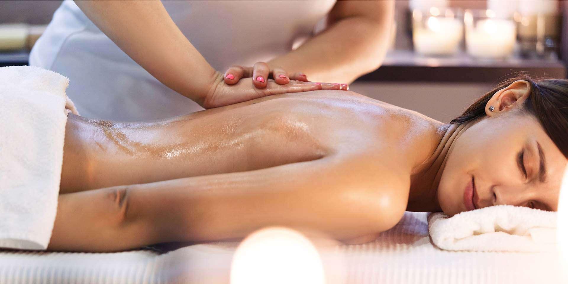 Celotelové masáže v Dúbravke – klasická, masáž lávovými kameňmi alebo bankovanie
