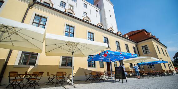 Pečená kačka s lokšami priamo v areáli Bratislavského hradu v reštaurácii Hradná Hviezda/Bratislava - Staré Mesto