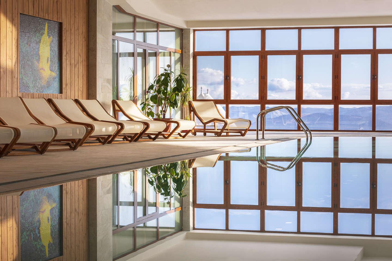 GRAND HOTEL BELLEVUE**** v nových izbách Exclusive, s novým wellness pre dospelých, detským wellness a polpenziou. Varianty aj na viac nocí.