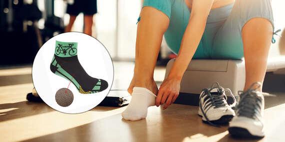 Športové cyklo ponožky alebo krátke hladké ponožky značky Foxysoxy ideálne na teplé dni/Slovensko